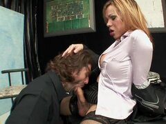 Dude Having Sex With A Tranny