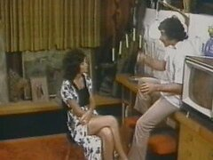 Linda Lovelace Deepthroats Harry Reems' Big Cock