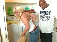 Big Ass Blonde MILF Austin Taylor Gets The Black Cock She Wanted